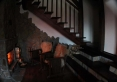 Kominek i schody na piętro